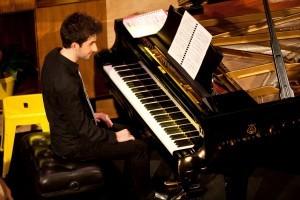 Andreas Ottensamer Yellow Lounge - Pianist Alex Raineri